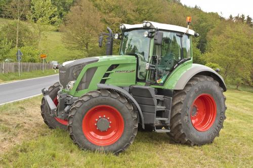 Трактор FENDT 824 - 1