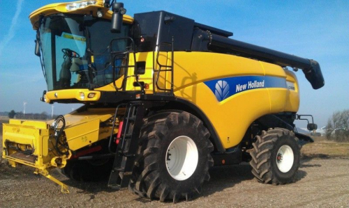 Комбайн NEW HOLLAND 8080 - 1