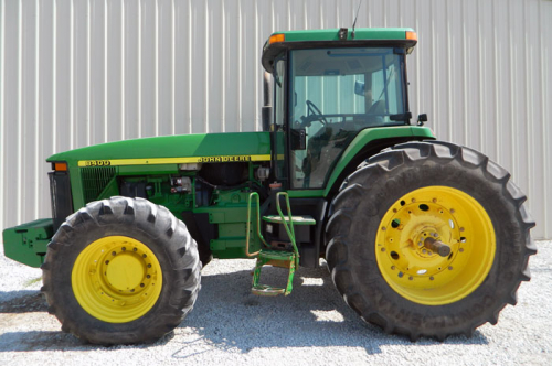 Трактор JOHN DEERE 8300 - 1