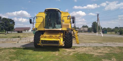 Комбайн NEW HOLLAND TX66 - 1