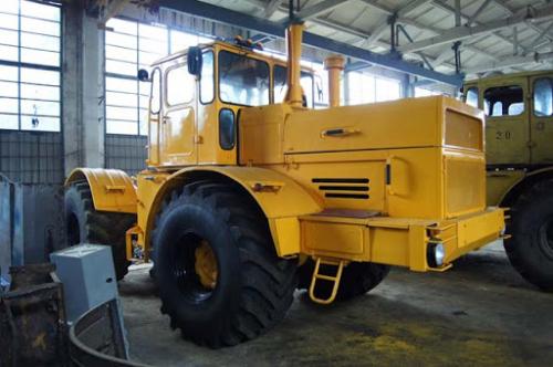 Трактор КИРОВЕЦ - 1