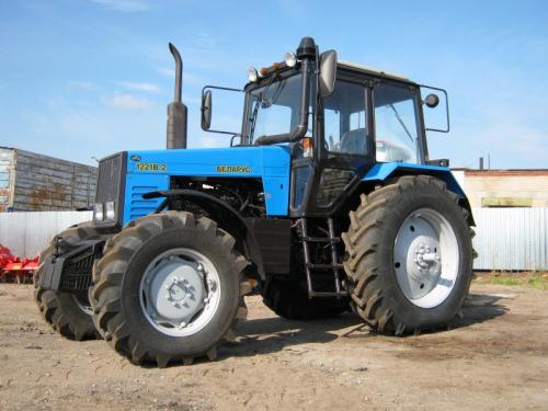 Трактор МТЗ 1221 - 1