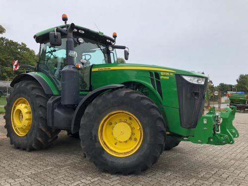 Трактор JOHN DEERE 8335 - 1