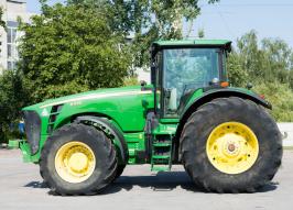 Трактор JOHN DEERE 8430 (1566)