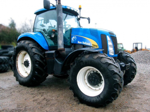 Трактор NEW HOLLAND T8050 - 2