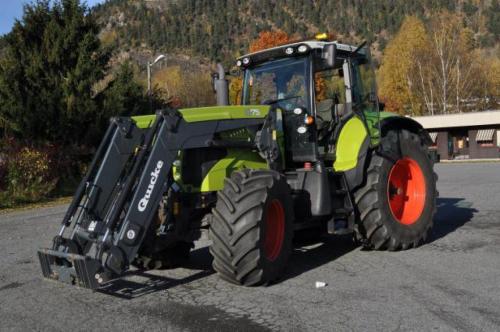 Трактор CLAAS Axion 820 - 1