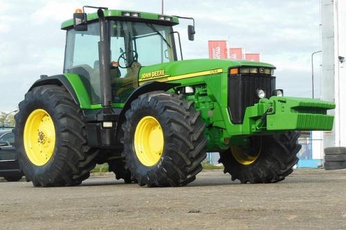 Трактор JOHN DEERE 8440 - 1