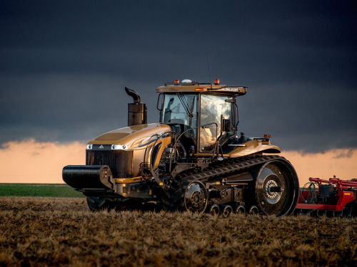 Трактор CHALLENGER MT 865 - 1
