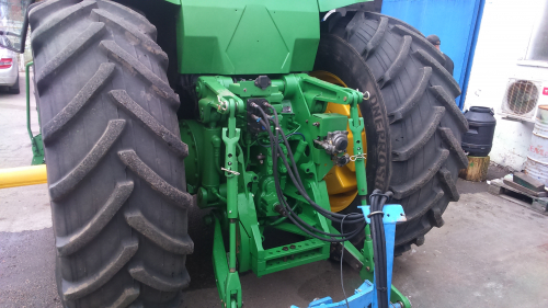 Трактор JOHN DEERE 8400 - 3