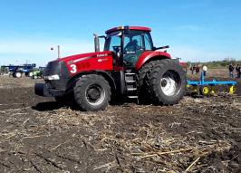 Трактор CASE IH 310 (1424)
