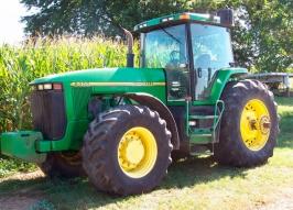 Трактор JOHN DEERE 8400 (604)