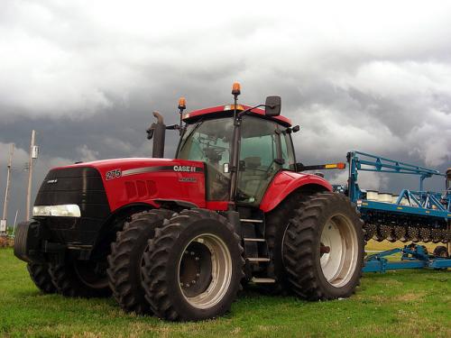 Трактор CASE IH 310 - 1