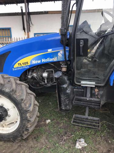 Трактор NEW HOLLAND TL105 - 4